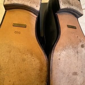 Gently used authentic Gucci loafers men's  size 9